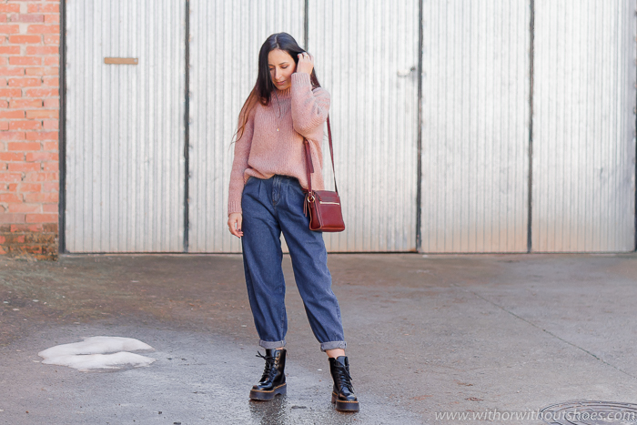 Tendencias look Cómo combinar unos Pantalones vaqueros Slouchy jeans de zara con botas punk Alpe dr martens