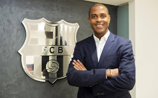 Barcelona academy director Kluivert congratulate Koeman on his appointment