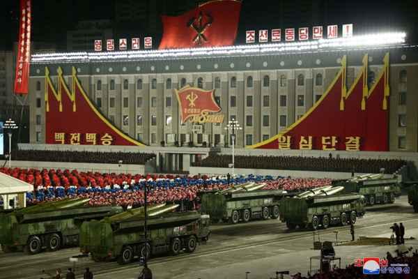 KPA Military Parade Commemorates 8th Congress of WPK