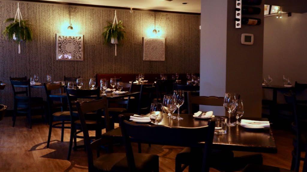 la roma dining room