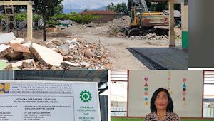 Berlinang Air Mata, Kepala SMP Negeri 2 Samosir Letakan Batu Pertama Gedung Sekolah
