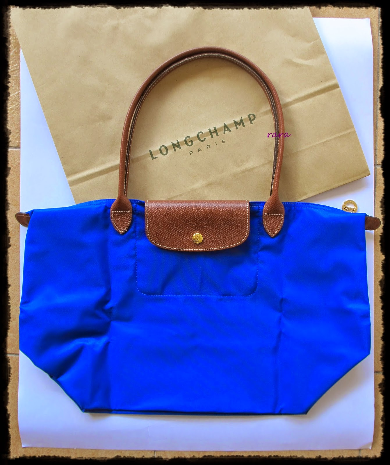 These colors might not be available in Longchamp store Malaysia. The same  size is selling at RM 559 (January 2016). 906a23270fe50