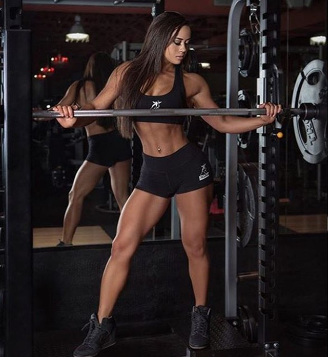 Lindsey Waters Fitness Model Instagram photos