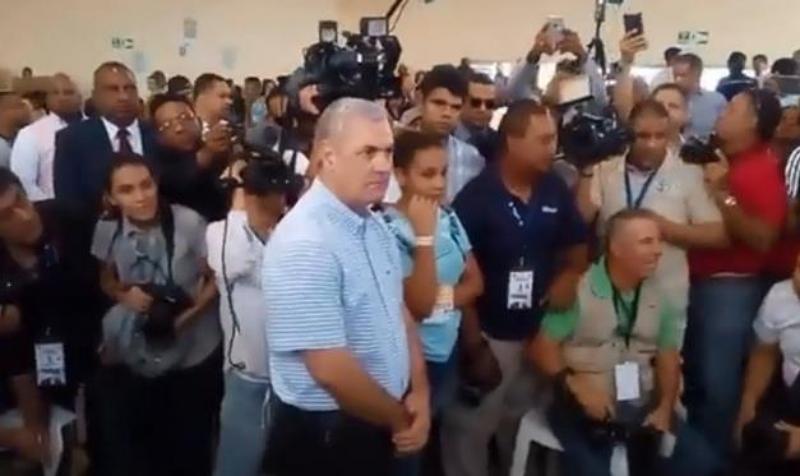 Video: Gonzalo Castillo vota en las primarias abiertas del PLD