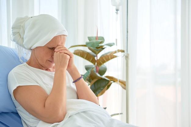 Kenali Apa Saja Efek Samping Tindakan Medis Kemoterapi Menurut SehatQ.com