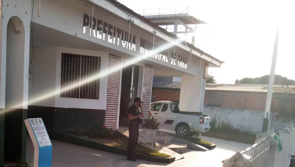 Ministério Público amanhece na Prefeitura de Faro; veja vídeo e fotos