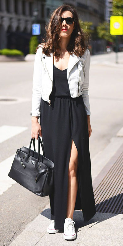 Need Style Inspiration for Fall Season. See these 31 Most Popular Fall Outfits to Truly Feel Fantastic. Fall Fashion via higiggle.com | black dress | #fallfashion #falloutfits #style #dress