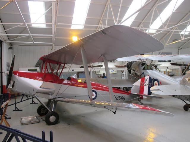 1/144 Shuttleworth diecast metal aircraft miniature De Havilland DH82 Tiger Moth