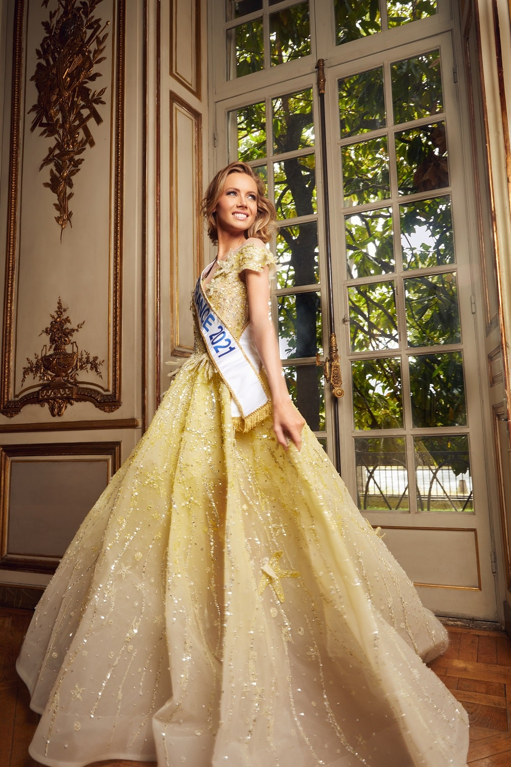 COUTURE DESIGNER ZIAD NAKAD DRESS AMANDINE PETIT, MISS FRANCE 2021 FOR THE FINAL OF MISS UNIVERSE 2020