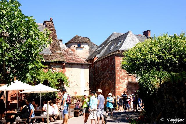 Una delle vie del centro di Collonges la Rouge