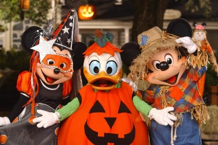 Personagens Disney no Mickey's Not-So-Scary Halloween Party Disney