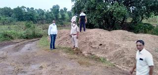 भैसई नदी के किनारे 111 ट्राली रेत की जब्त