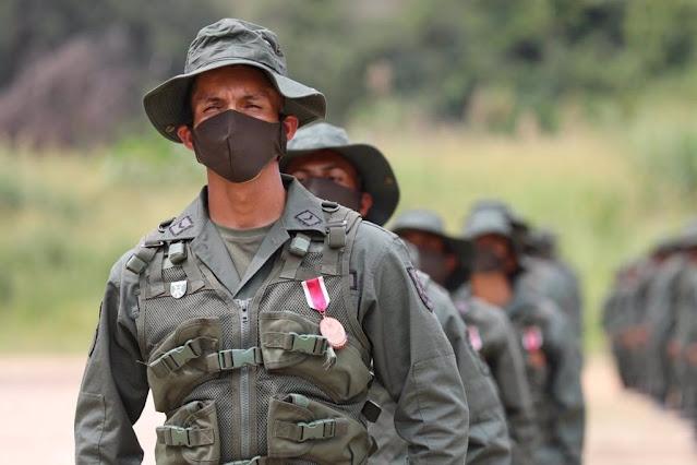 """GOBIERNO ASEGURA """"TENER CONTROL"""" DE LA ZONA DE CONFLICTO CON GRUPOS ARMADOS COLOMBIANOS"""
