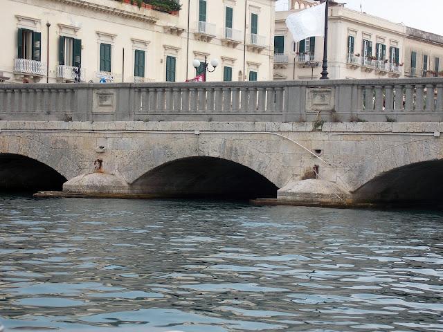 Siracusa - Ponte Umbertino ©Sarabassi
