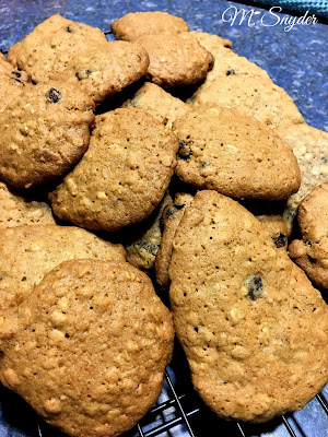 July 22, 2019 Eating delicious Oatmeal Raisin Drop Cookies