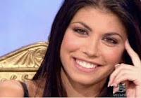 Enrico Brignano, la moglie Flora Canto dopo l'intervento chirurgico: «Il peggio è passato, ora ricomincio dalla tv»