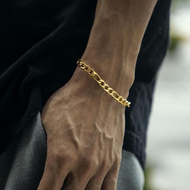 Gold bracelet from Helloice