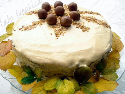 Recipe for Dušica torte by Laka kuharica: scrumptious birthday cake that will be gone in minutes.