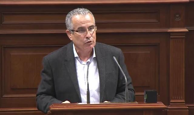 Mario%2BCabrera%2Ben%2BParlamento - AM-CC  propone medidas urgentes para triplicar los puestos UCI de Fuerteventura, ante el previsible 'pico' del coronavirus