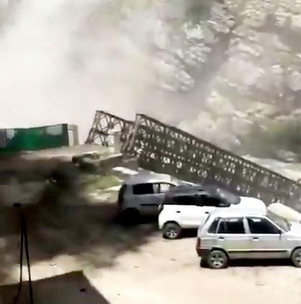 Nine tourists killed as huge boulders rain down