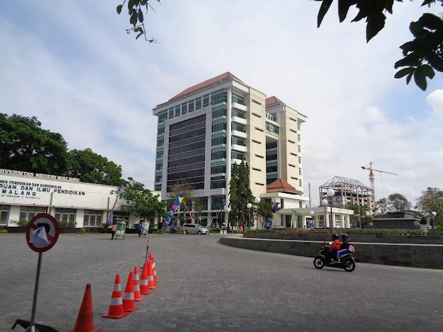 Megahnya Gedung Rektorat UM