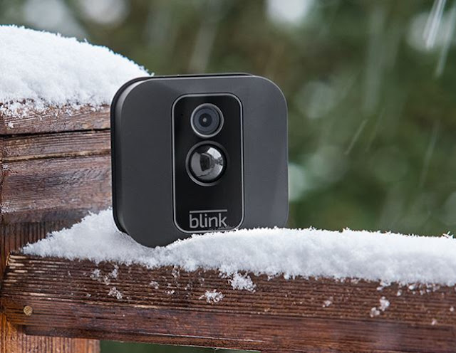 Outdoor/indoor Blink XT2 Smart Security Camera