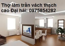 lam-vach-tuong-thach-cao-1-2-mat-de-ngan-phong