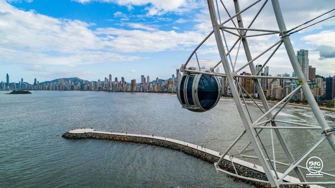 Big Wheel com a montagem quase finalizada em Balneário Camboriú, em Santa Catarina! - Atualização 6