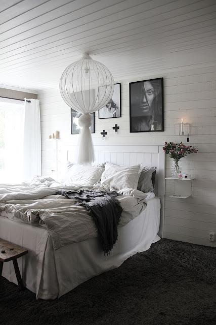 annelies design, webbutik, webbutiker, websho, present, presentbutik, presentbutiker, varberg, nätbutik, nätbutiker, sovrum, sovrummet, väggljusstake, väggljusstakar, duo, kors, tavla, tavlor, tavelvgg, tavelväggen, poster, posters, liggande panel, vitt, svartvitt, svart och vitt, sängbord,