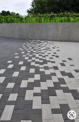 7 Ide Desain Lantai Garasi Batu Alam (Unik & Menarik)