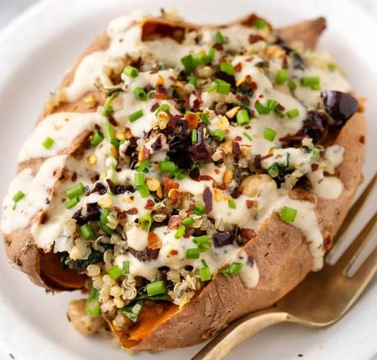 Vegan Stuffed Sweet Potatoes with Mediterranean Quinoa #vegetarian #healthy