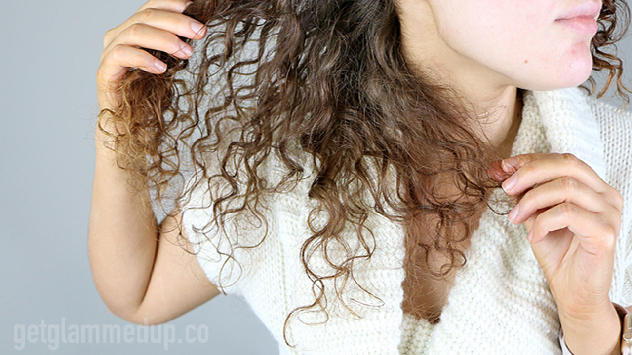 Tangles in curly hair