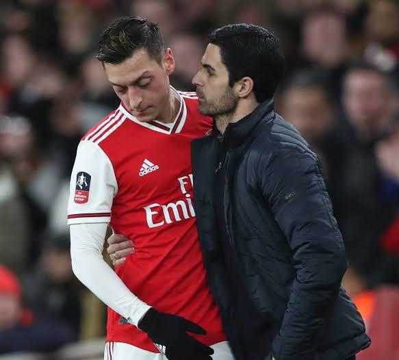 Mesut Ozil Still Not Ready to Play for Arsenal