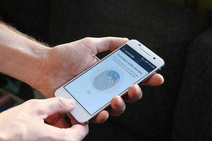 alat pengamanan canggih yang menggunakan sidik jari