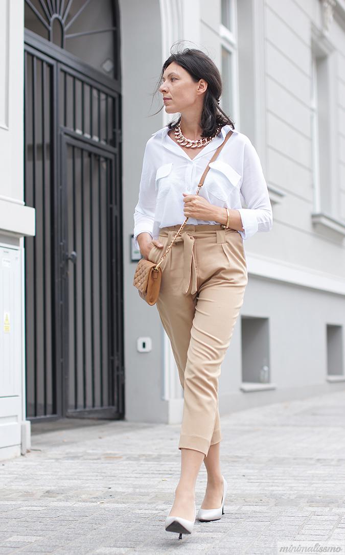 https://minimalissmo.blogspot.com/2016/08/white-shirt.html
