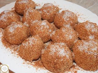 Galuste cu prune de post reteta traditionala de casa retete culinare deserturi romanesti,