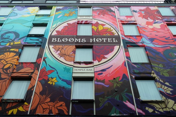 dublin street art temple bar blooms hotel