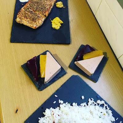 salmón, arroz, paté, mermelada