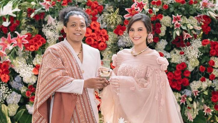Bikin Haru! Doa Arie Kriting untuk Pernikahannya dengan Indah Permatasari yang Tak Direstui
