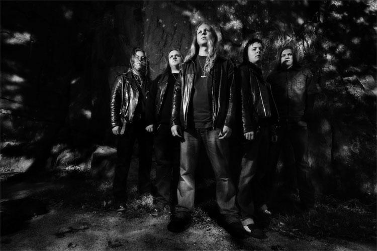 4db81c6899 A 1995-ben alakult Moonsorrow (melynek amúgy a Finntroll billentyűse, Henri  Urponpoika Sorvali is tagja) zenéje a folk metal epikusabb,  méltóságteljesebb ...