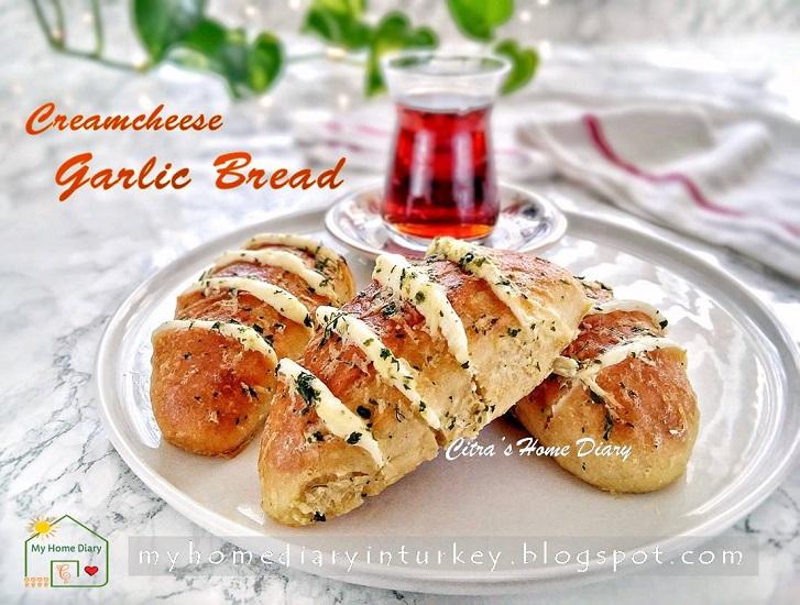 Hasselback Cream Cheese Bread | Çitra's Home Dairy. #hasselbackbread #creamcheesebread #koreangarlicbread #breakfastidea #brunch #asianbread