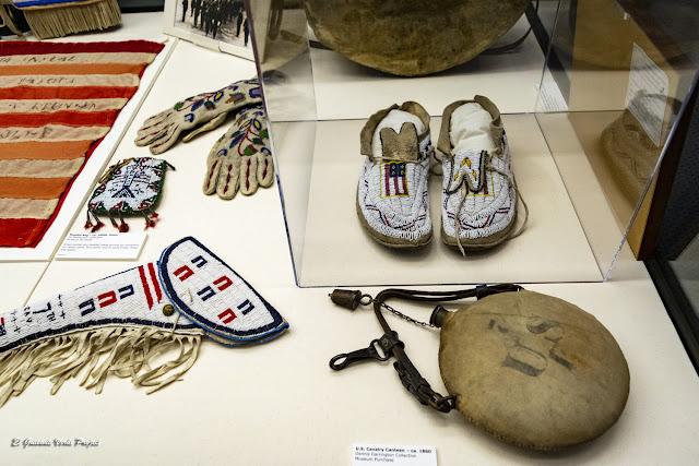 Mocasines, cartuchera, guantes... Akta Lakota Museum - Chamberlain, Dakota del Sur