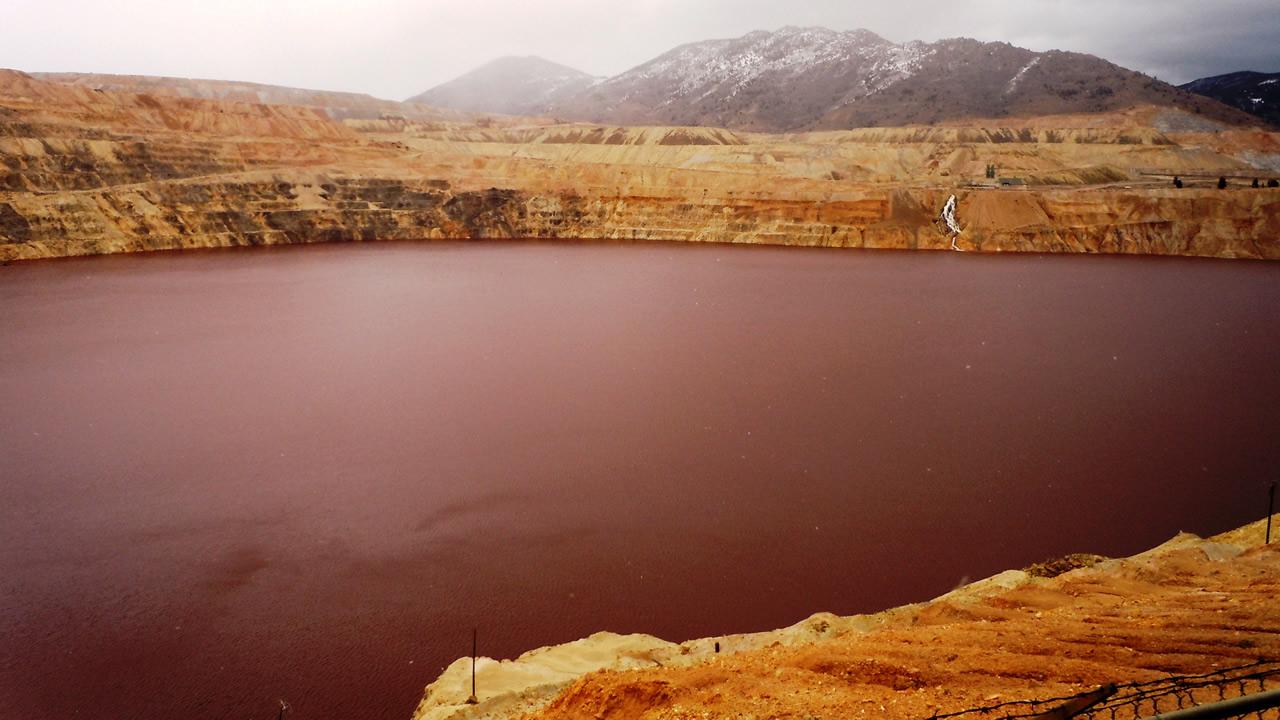 Producen antibiótico contra bacterias resistentes utilizando hongos de una mina tóxica
