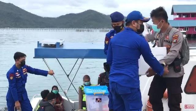 Kapolres Natuna Meninjau Pelaksanaan Vaksinasi di Kecamatan Pulau Tiga Desa Tanjung Kumbik Utara