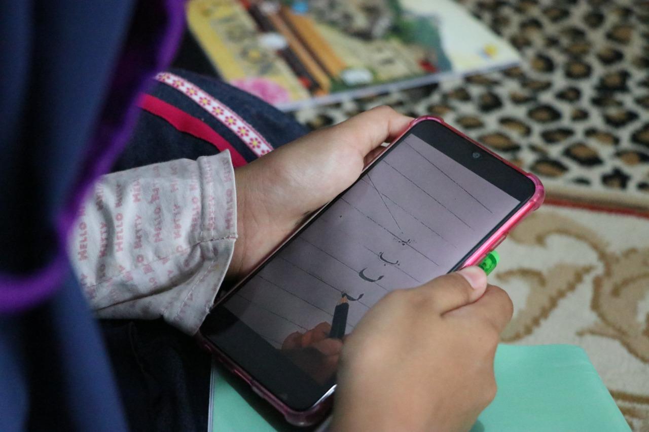 Polisi di Puring Sediakan Wifi Gratis untuk Belajar Daring