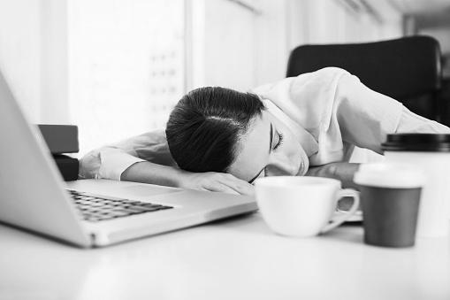 Cara Mengatasi Ngantuk Di Pagi Hari Saat Bekerja