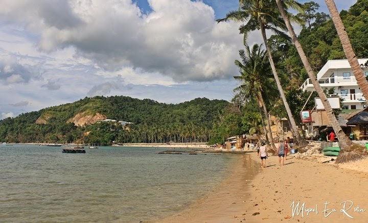 Cabañas-Beach-El-Nido