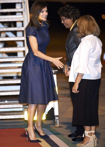 Queen Letizia wore CH Carolina Herrera denim shirt dress from the Spring / Summer19 collection