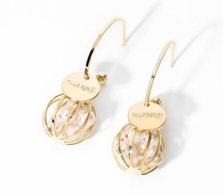 珠圓玉潤擬珍珠耳環