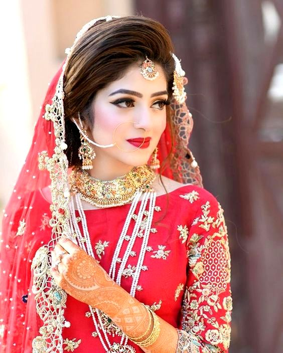Fashionable Bridal in Red Dress